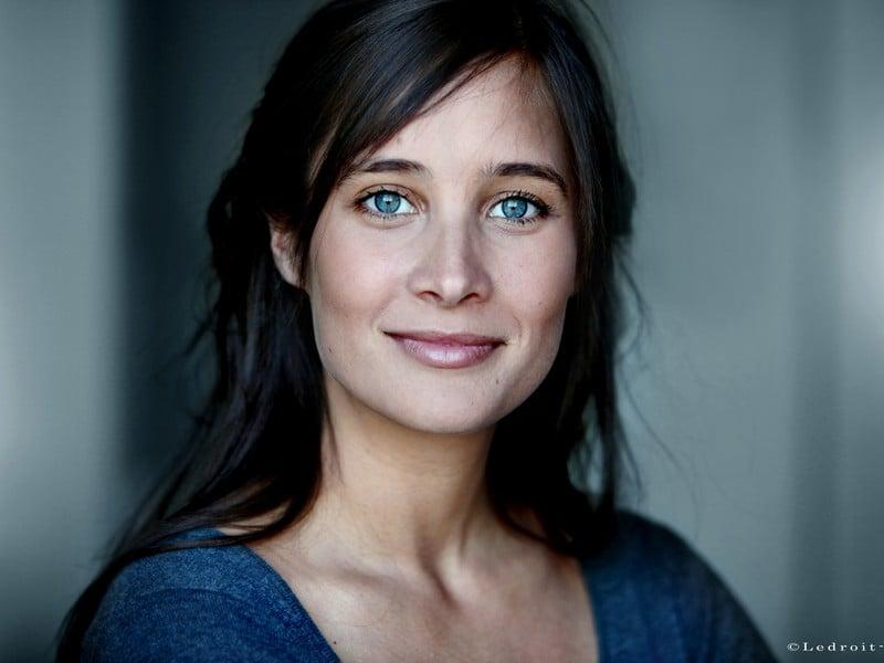 Julie De Bona