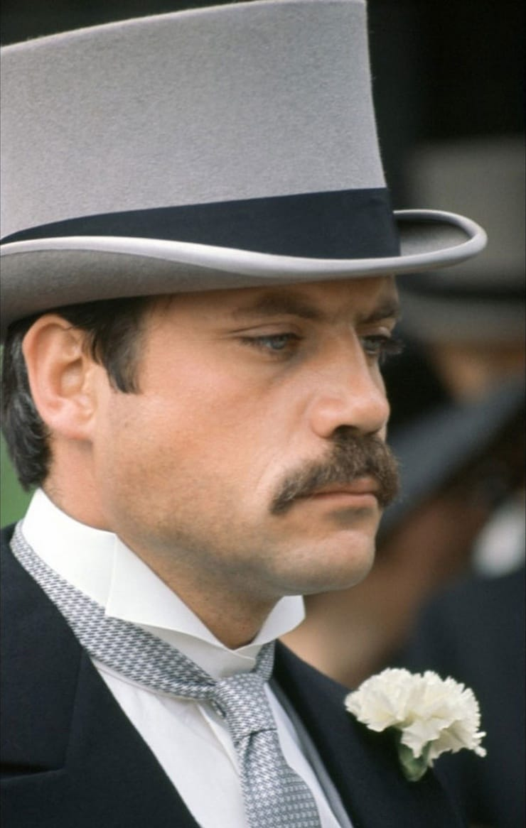 picture of oliver reed