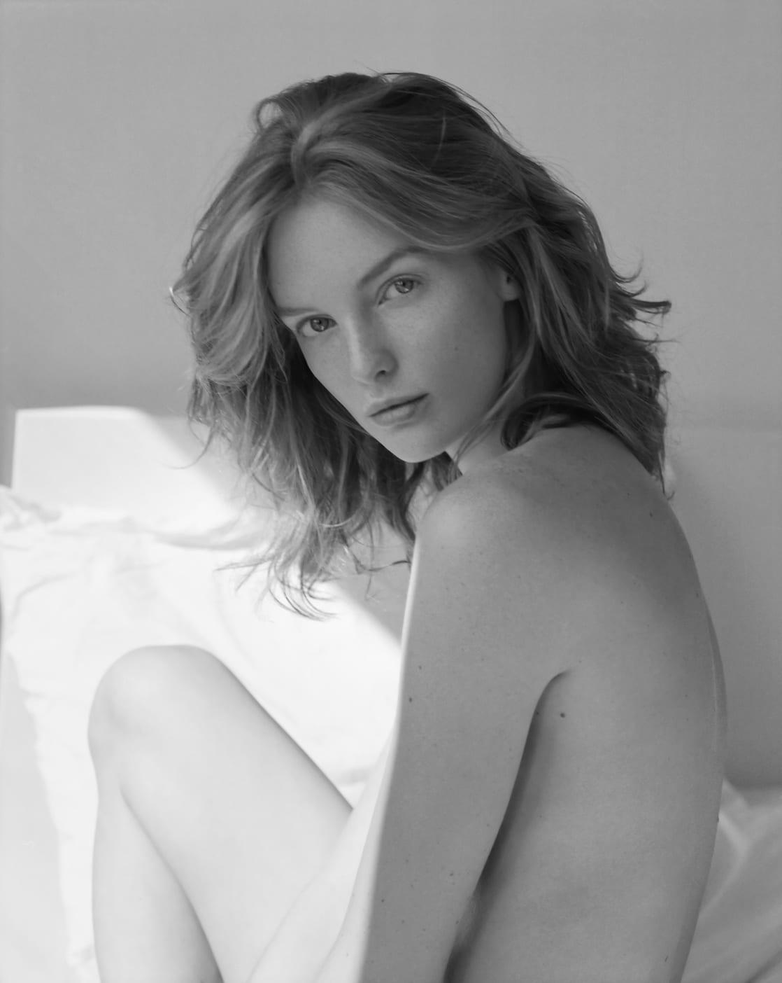 Clara Settje Nude Photos 8