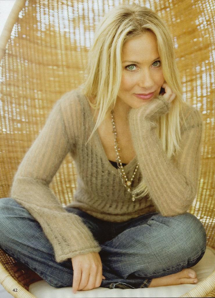 Picture Of Christina Applegate-8135