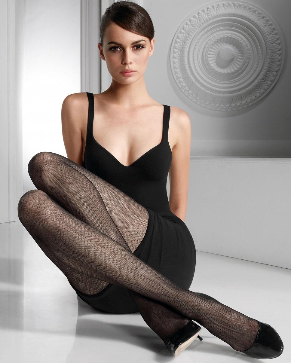 девки раздвигают ножки порно фото