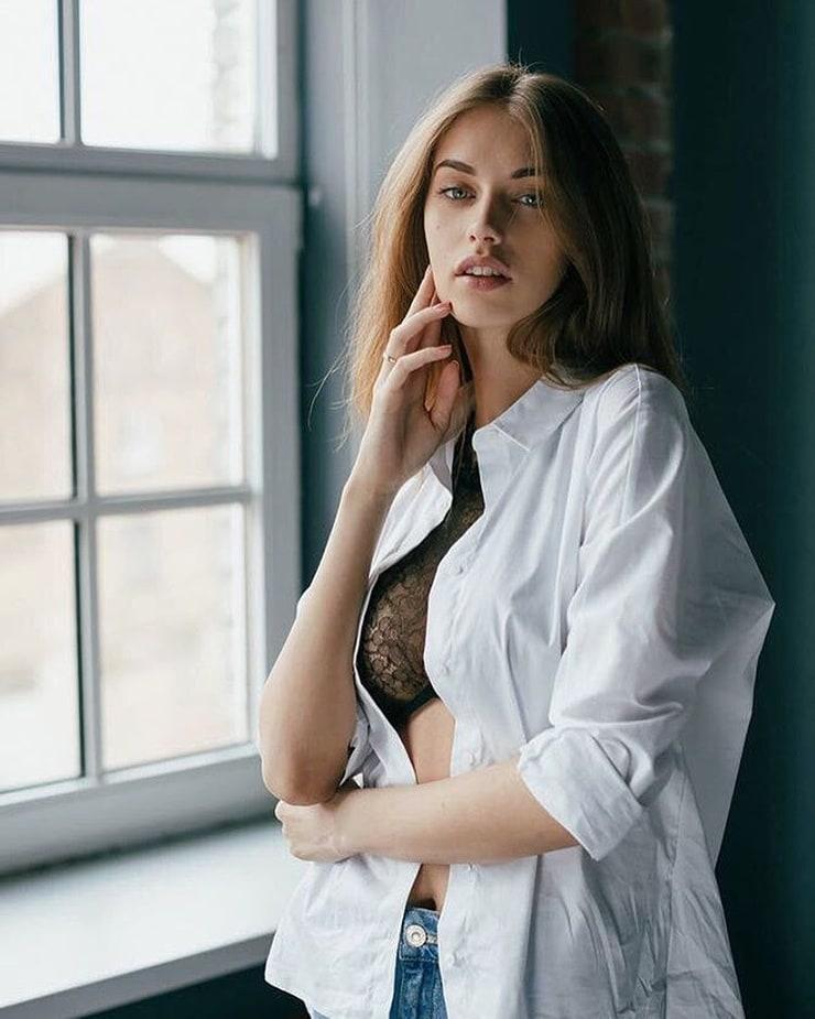 Yulia Rose Nude Photos 29