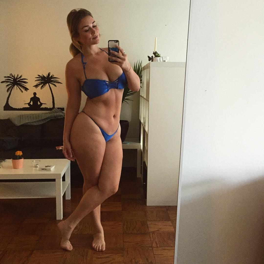 girl in soccer shorts pussy