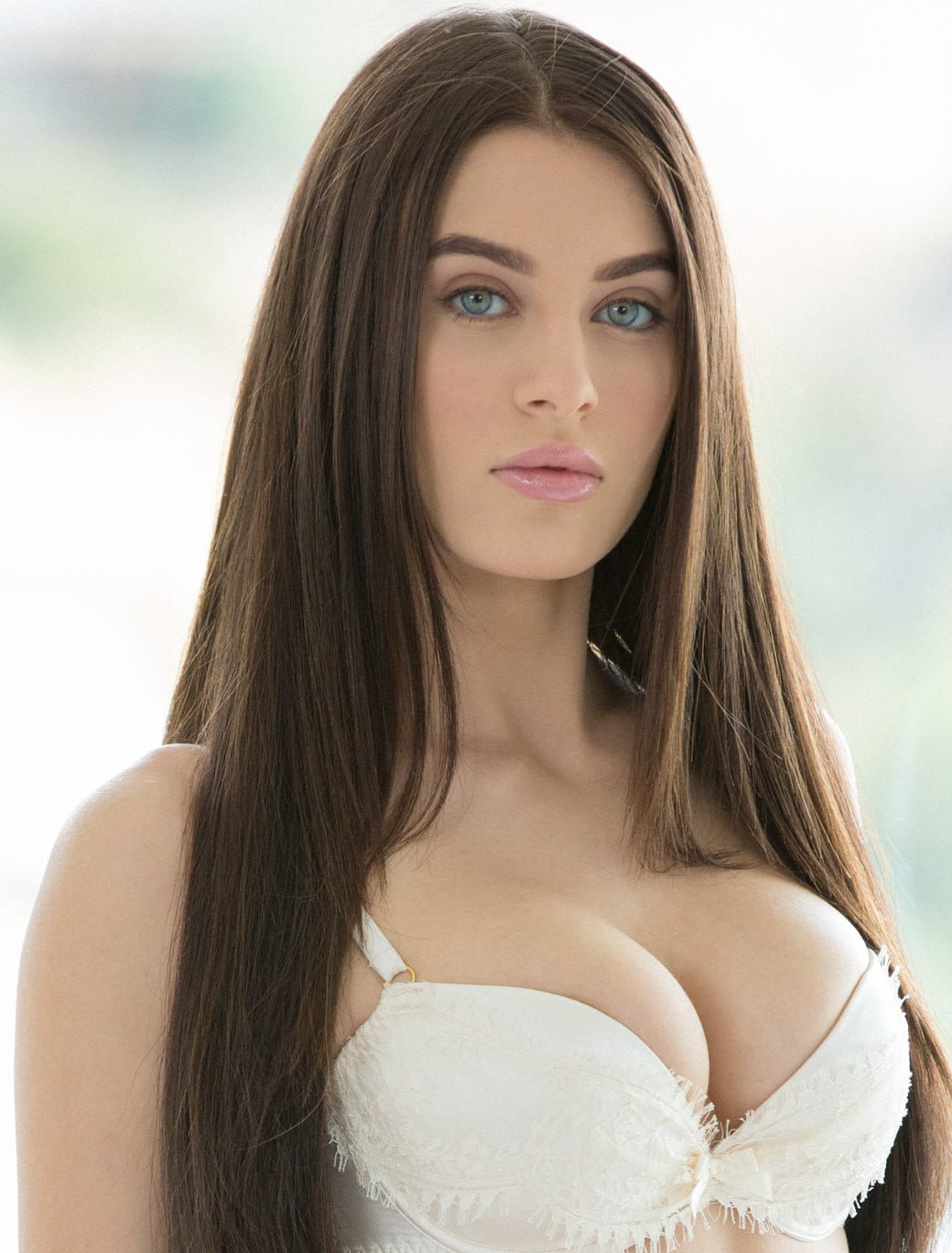 beautiful brunette pornstars
