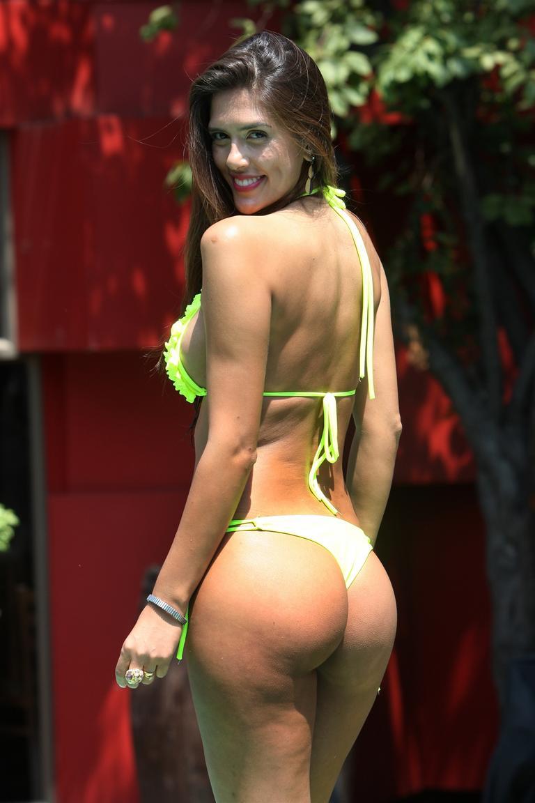 Think, Sandra syn in a bikini photos