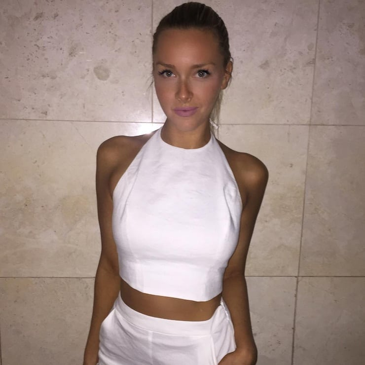 Picture Of Camille Kostek