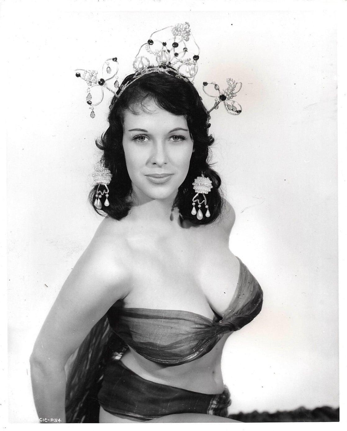 Marie Devereux Nude Photos 90