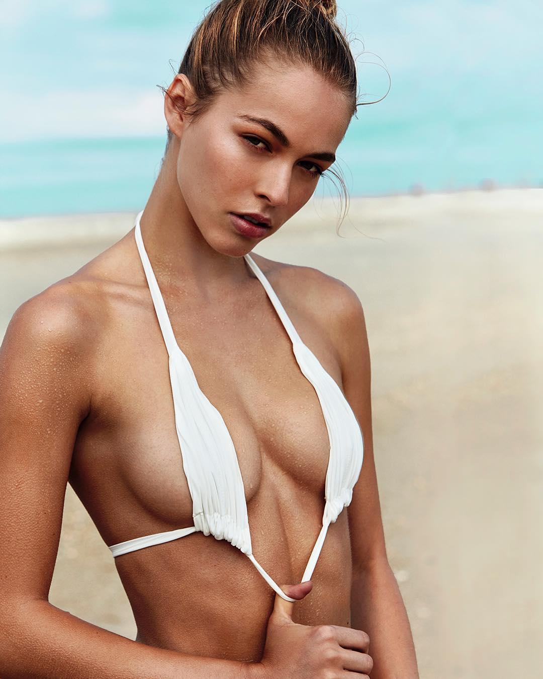 Sexy Caroline Kelley nude (32 photo), Ass, Paparazzi, Selfie, cameltoe 2015