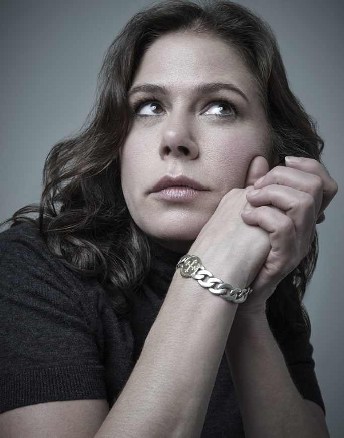 Maura Tierney   See Every Drop-Dead Gorgeous Beauty Look