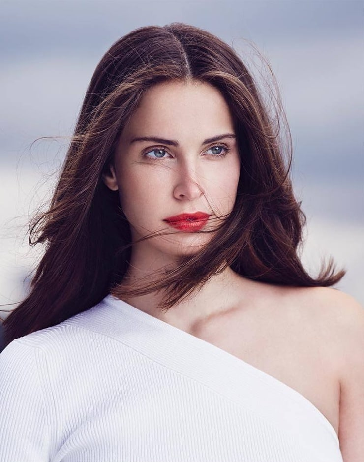 Heida Reed Nude Photos 54