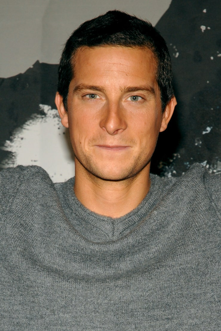 picture of bear grylls