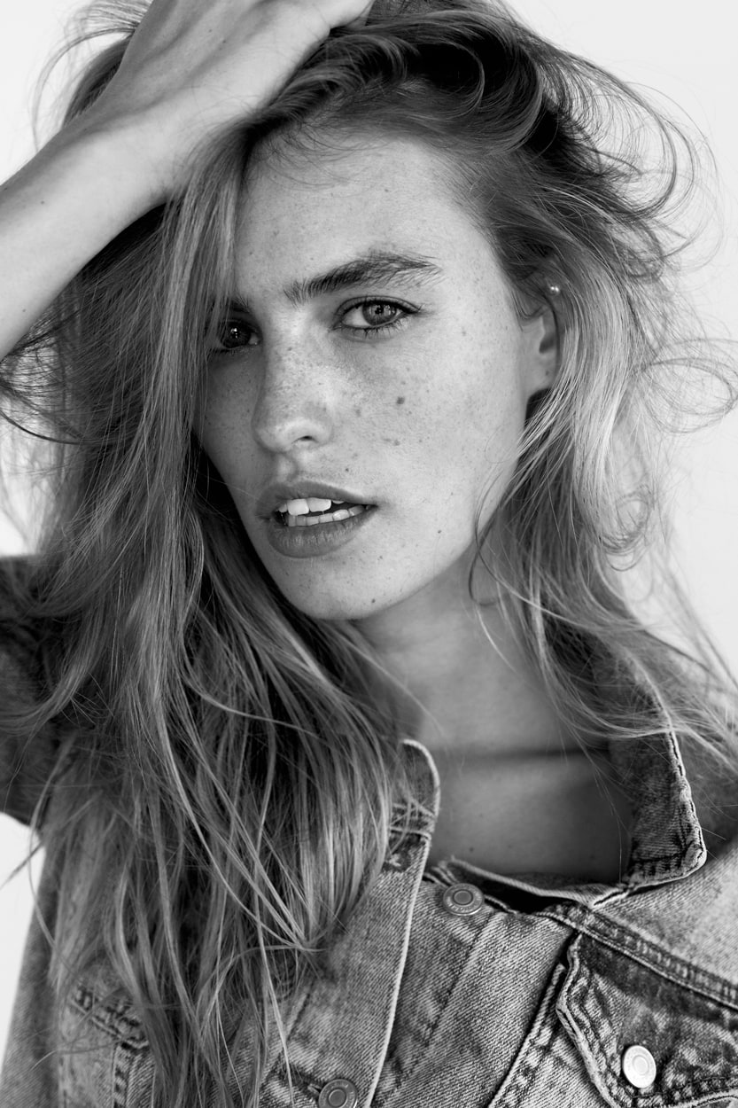 Blair Sinnott Nude Photos 39