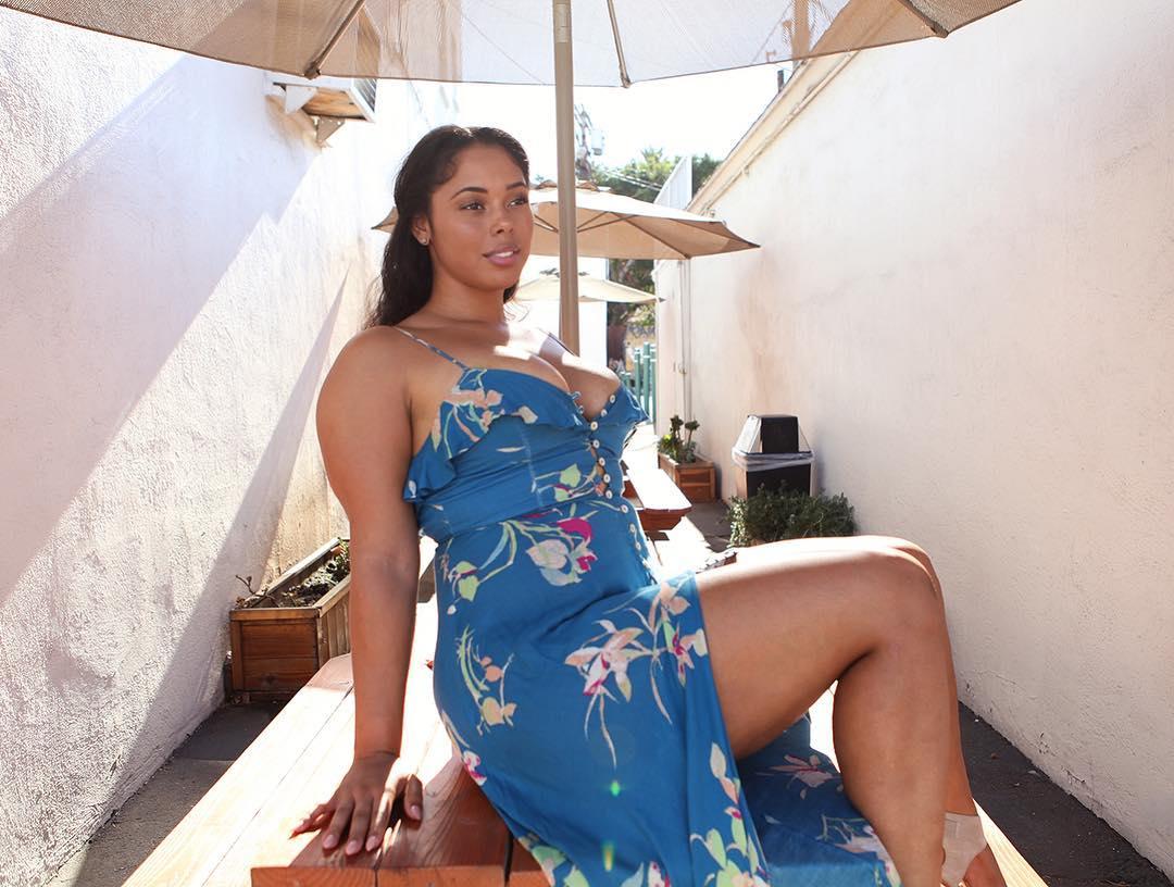 Tabria Majors Nude Photos 33