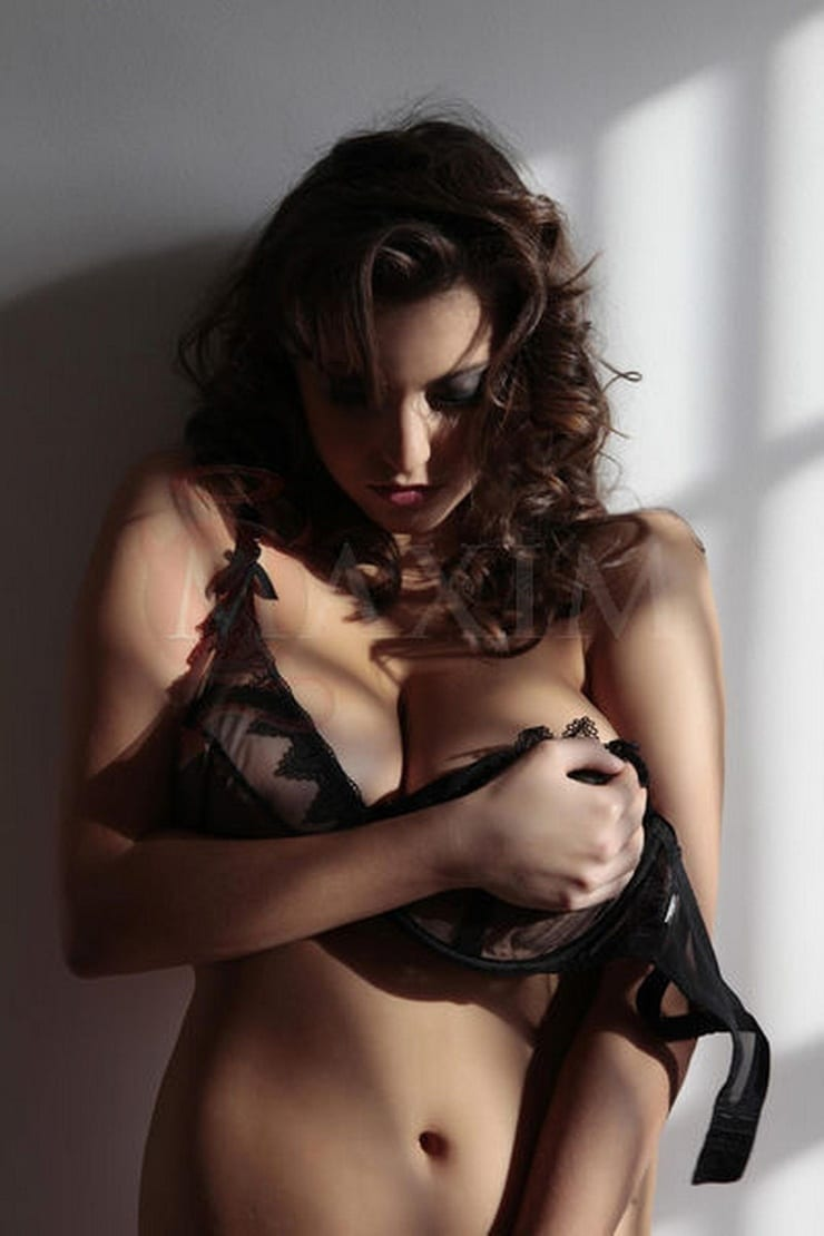 Francoise boufhal topless simply