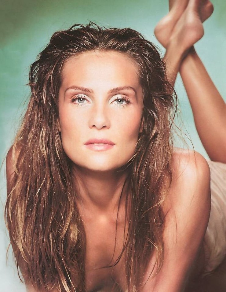 Emmanuelle Seigner Nude Photos 25