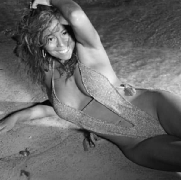 Mariah carey boob bounce