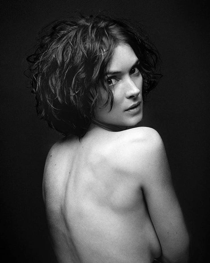 Winona Ryder Nude Sexy