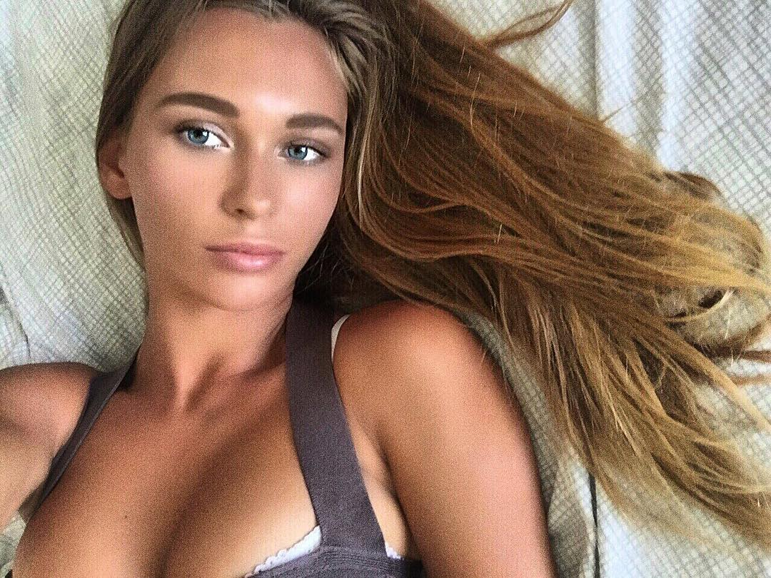 Young Lily Ermak nude (34 pics), Selfie