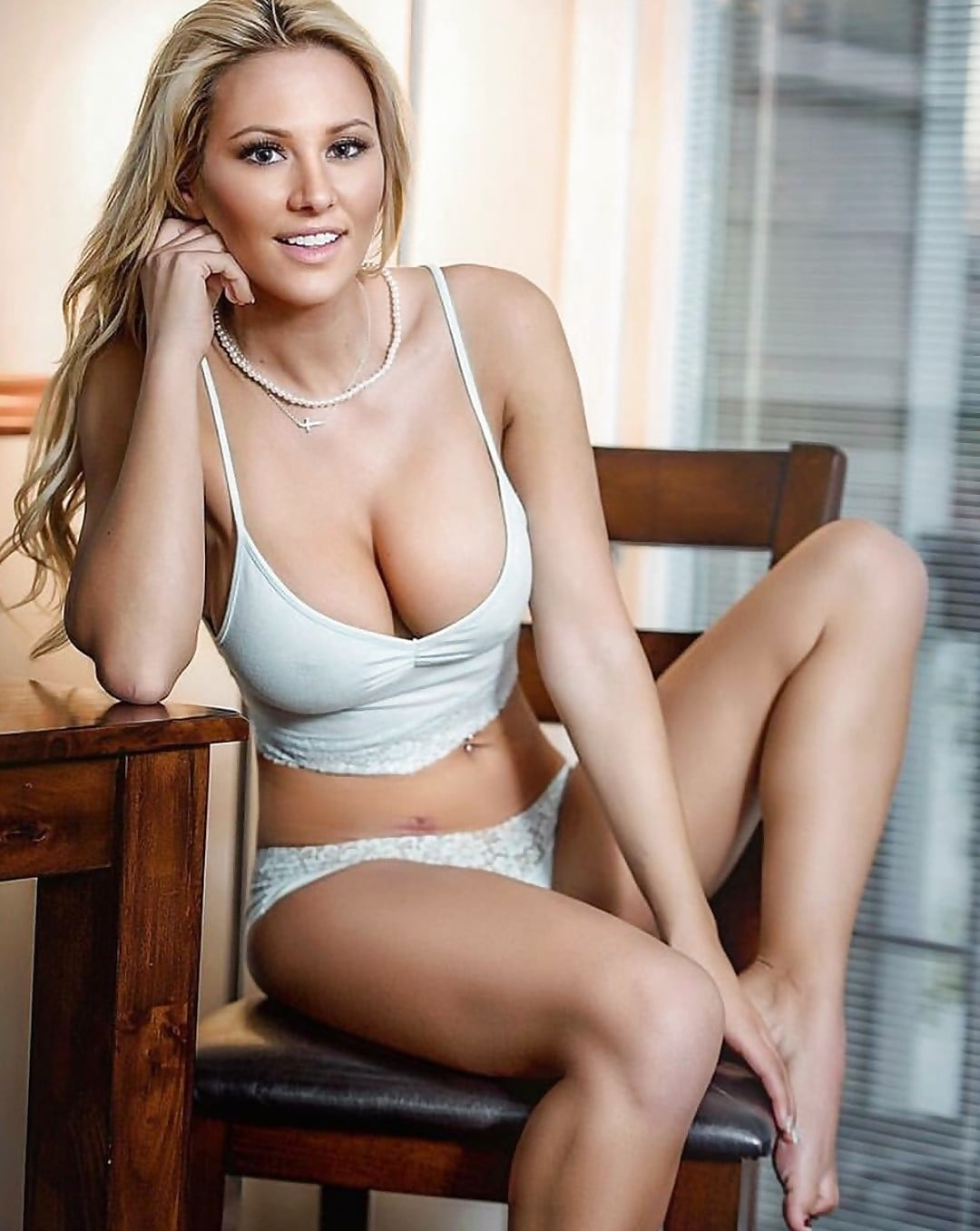 Fotos Kindly Myers nudes (99 foto and video), Topless, Sideboobs, Twitter, bra 2017