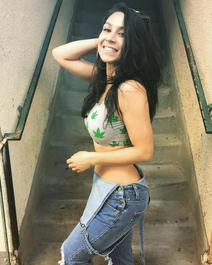 Picture of Cassie Steele