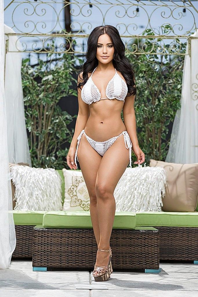 sex-latina-jennifer-nude-nude