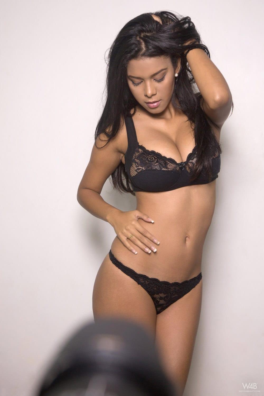 Kendra Roll Nude Photos 77