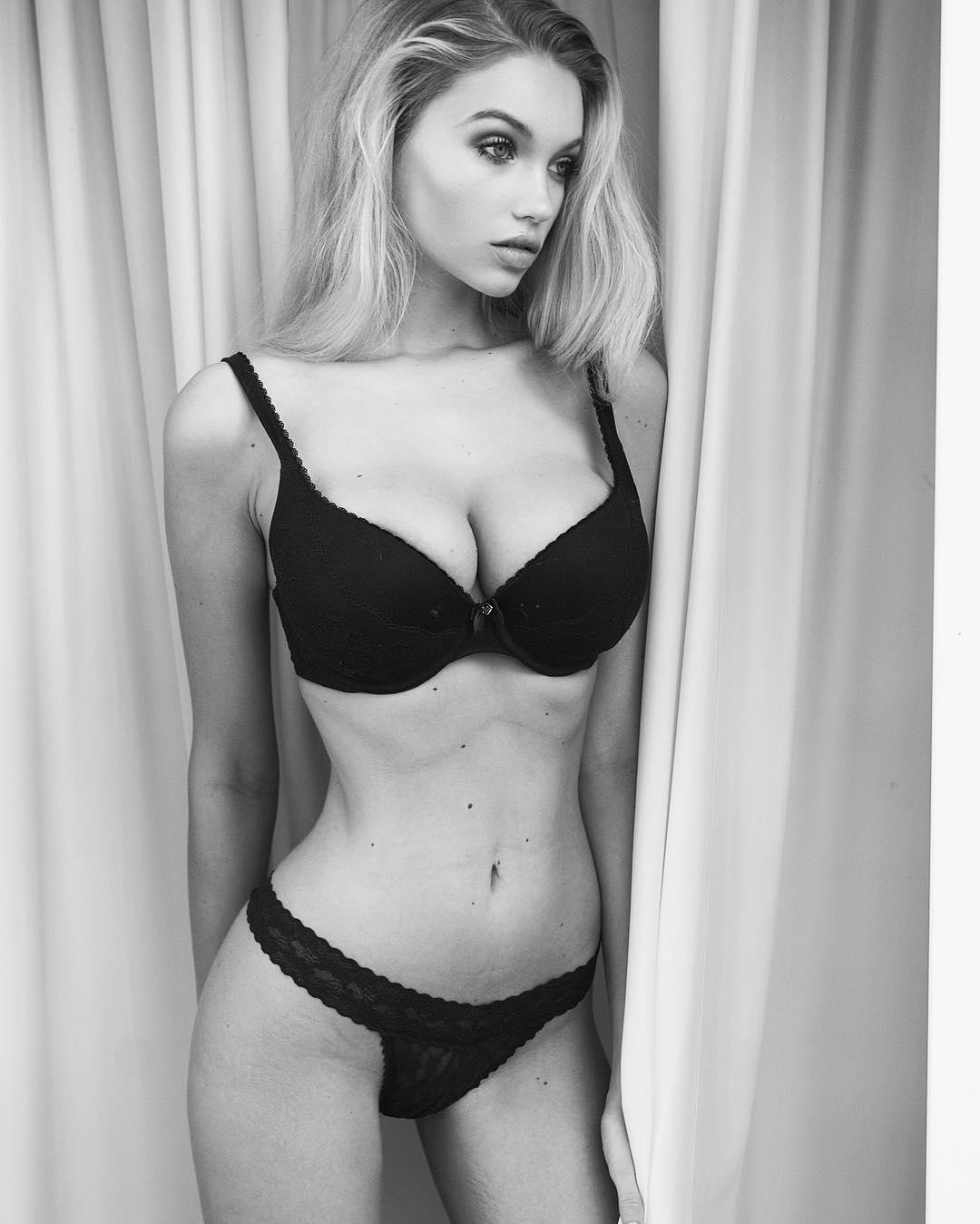 Snapchat Melinda London nude photos 2019