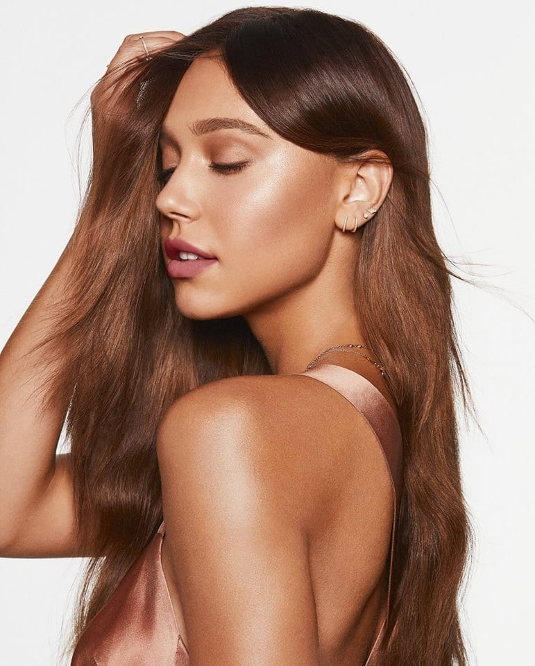 Alexis ren brown hair