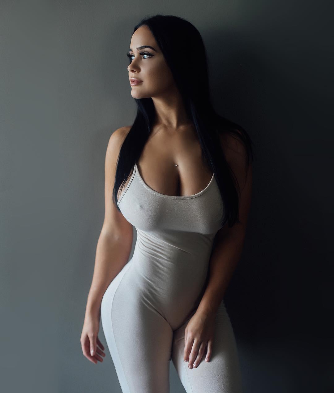 bust beautiful naked amatuer girls