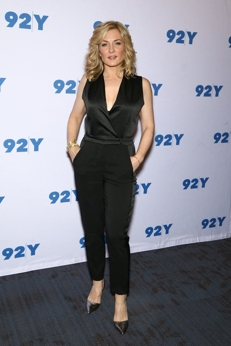 Picture of Amy Carlson
