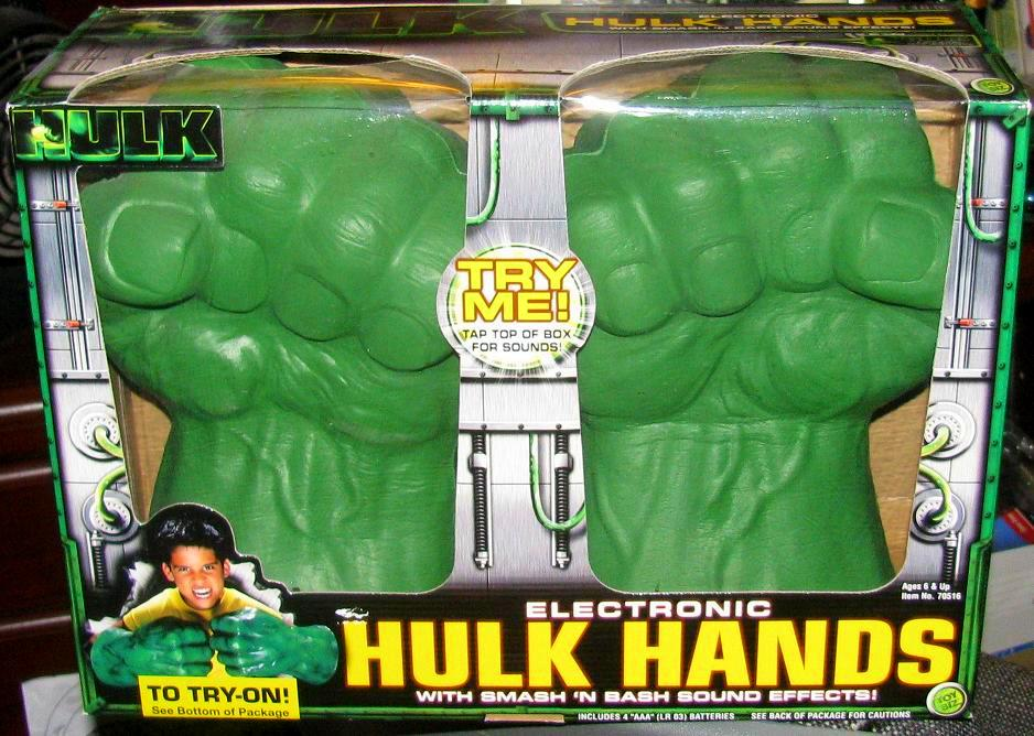 The Incredible Hulk Electronic Hulk Hands with Smash 'n' Bash Sound Effects