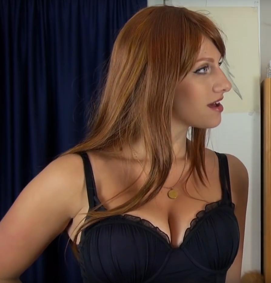 Lara Loft Nackt