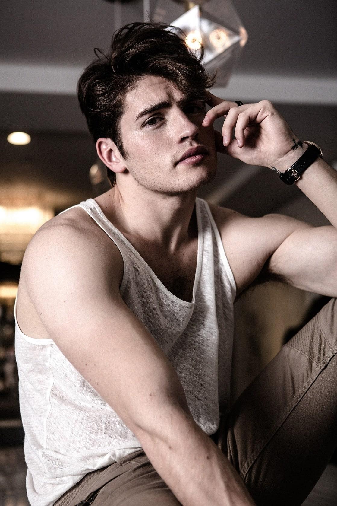 Gregg Sulkin (born 1992)