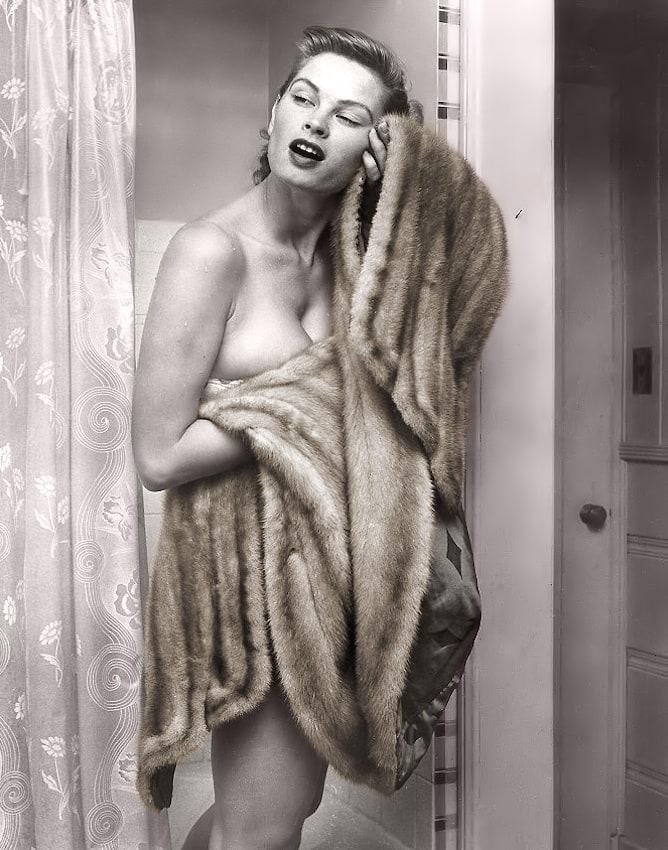 Vintage Irish Mccalla Nude