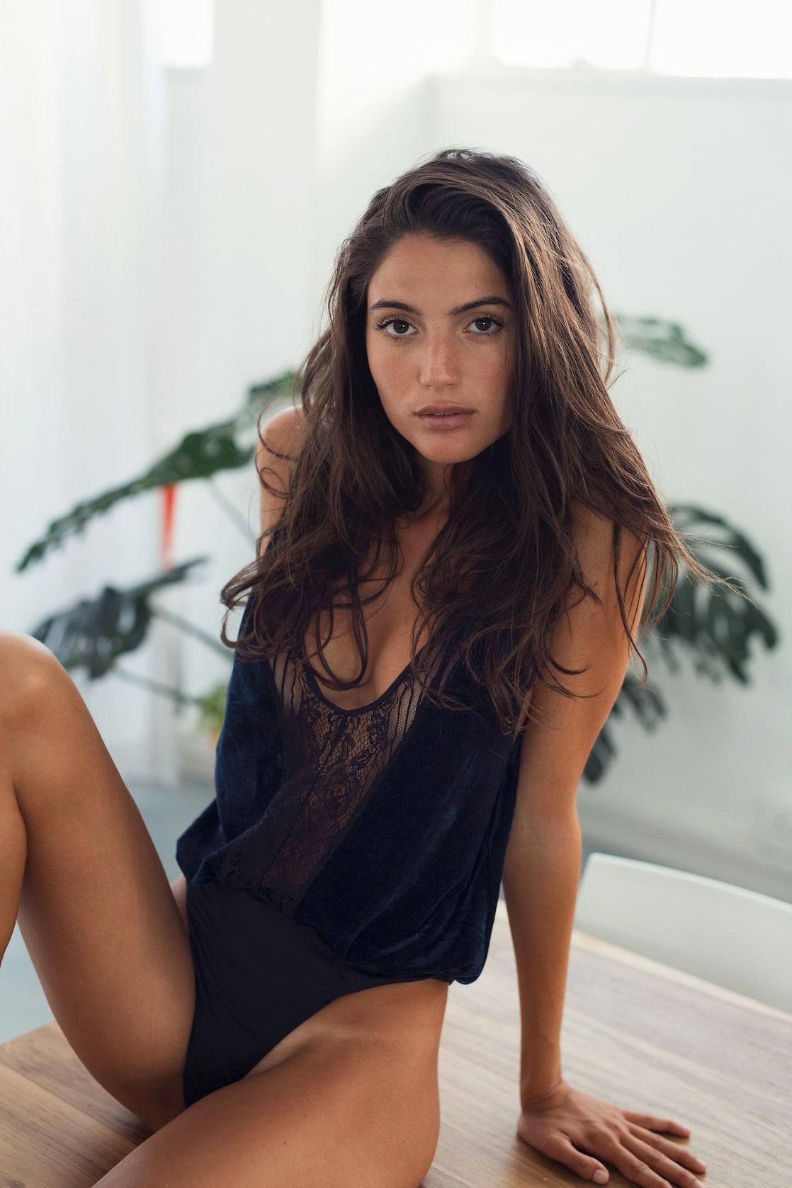 Sideboobs Rafaella Consentino  nudes (26 pics), Snapchat, butt