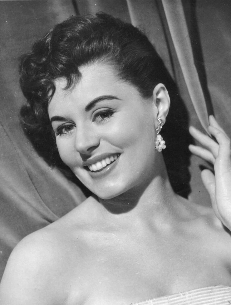 Picture Of Eunice Gayson-9197