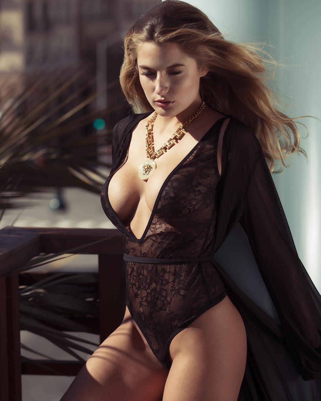 Cherie Noel Nude Photos 10