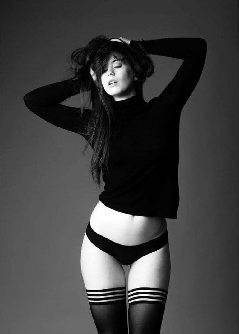Elle Beth Nude Photos 83