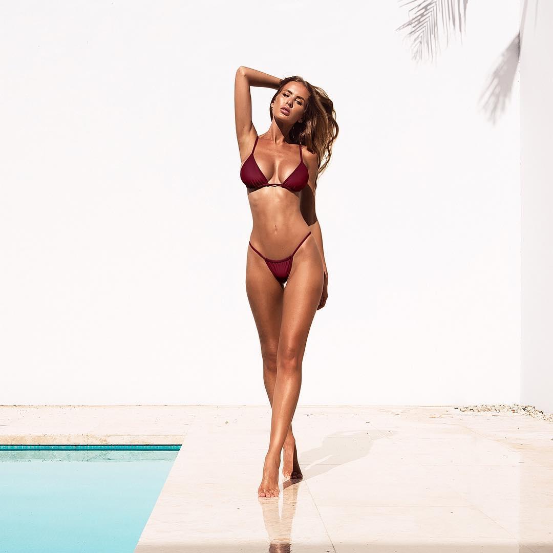 2019 Renee Somerfield nude (43 photos), Sexy, Cleavage, Twitter, cleavage 2006