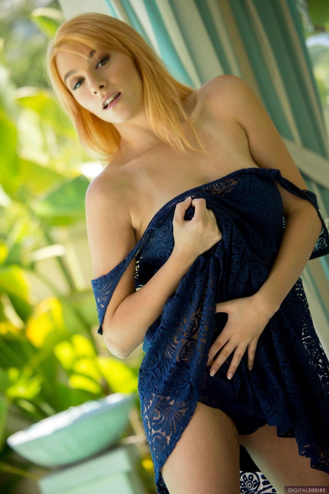 Penelope Lynn photos