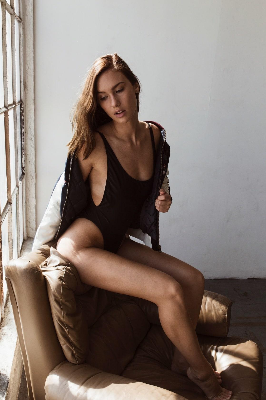 Celebrites Maggie Keating nude (93 photos), Tits