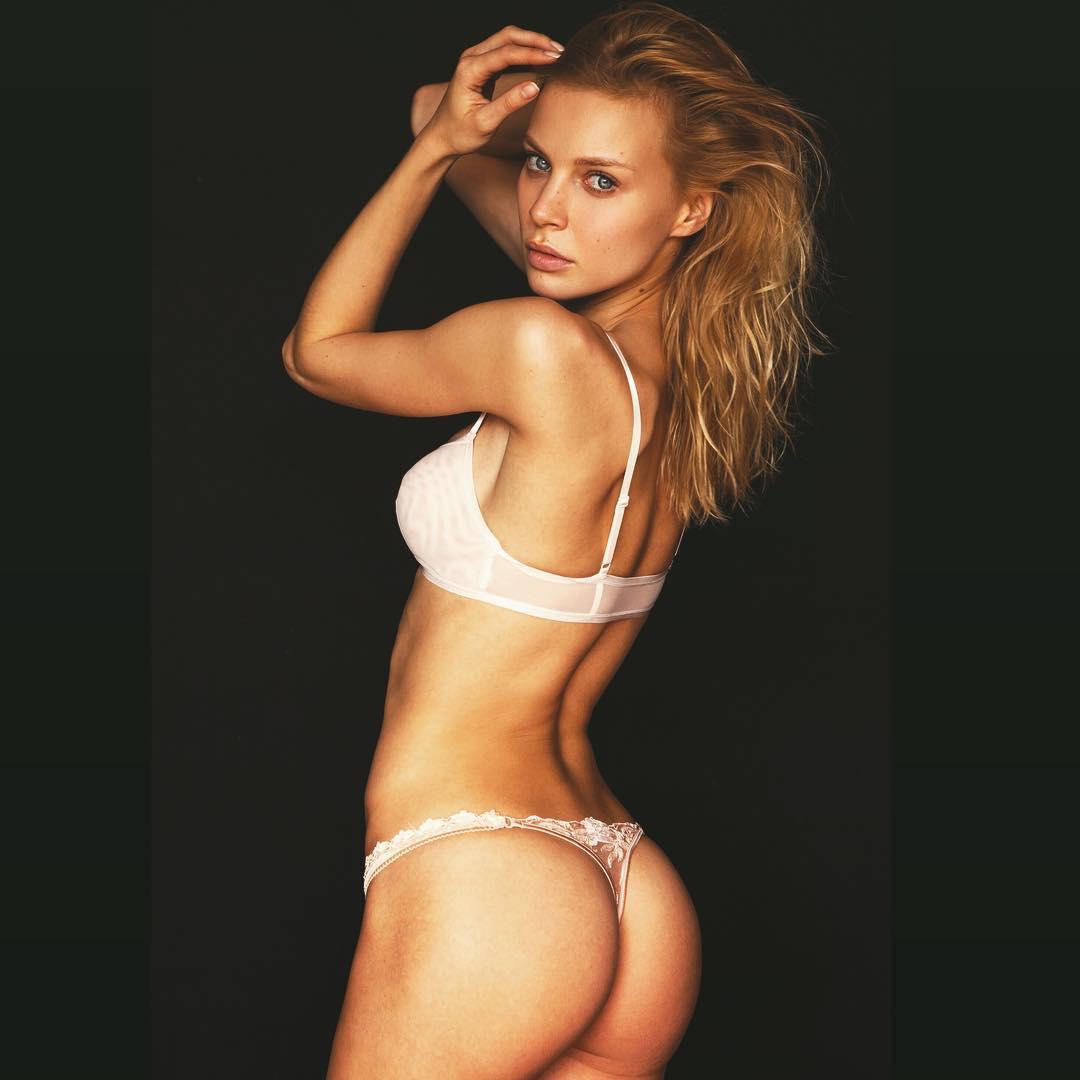 Kriss Evtikhieva Nude Photos 31