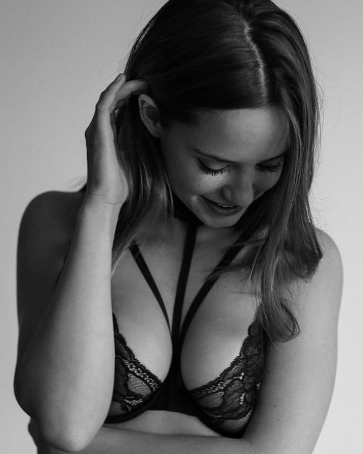 Kat timpf sexy