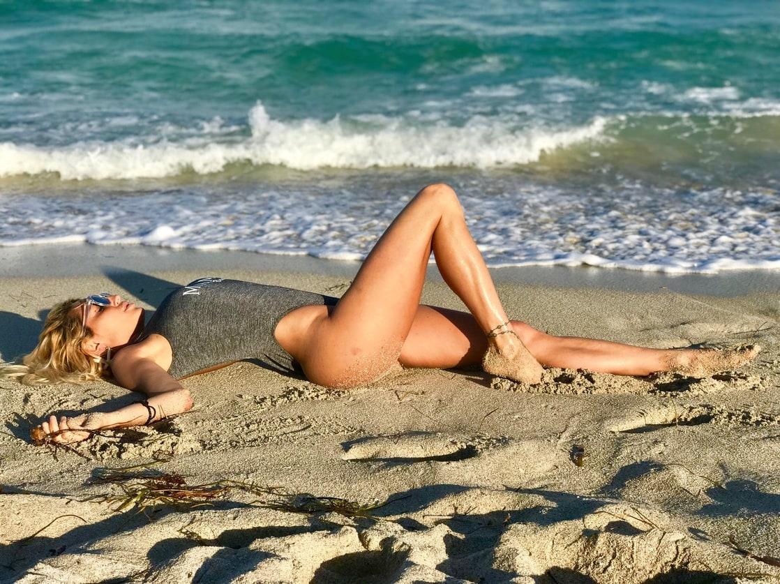 Bikini Erotica Blake Eden  nudes (15 foto), Instagram, butt