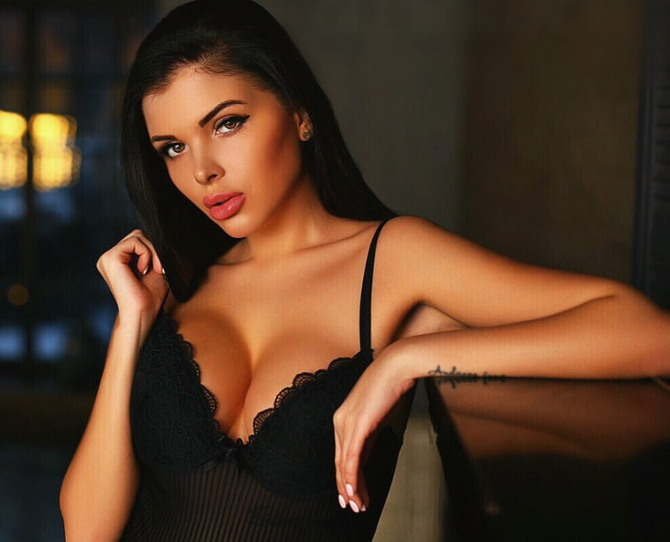 Busty romanian girl escort