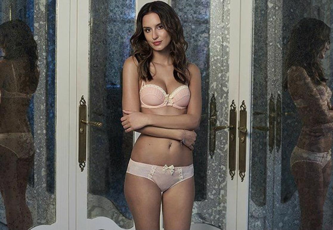 Erotica Lucy Watson nudes (48 photo), Sexy, Sideboobs, Selfie, panties 2019