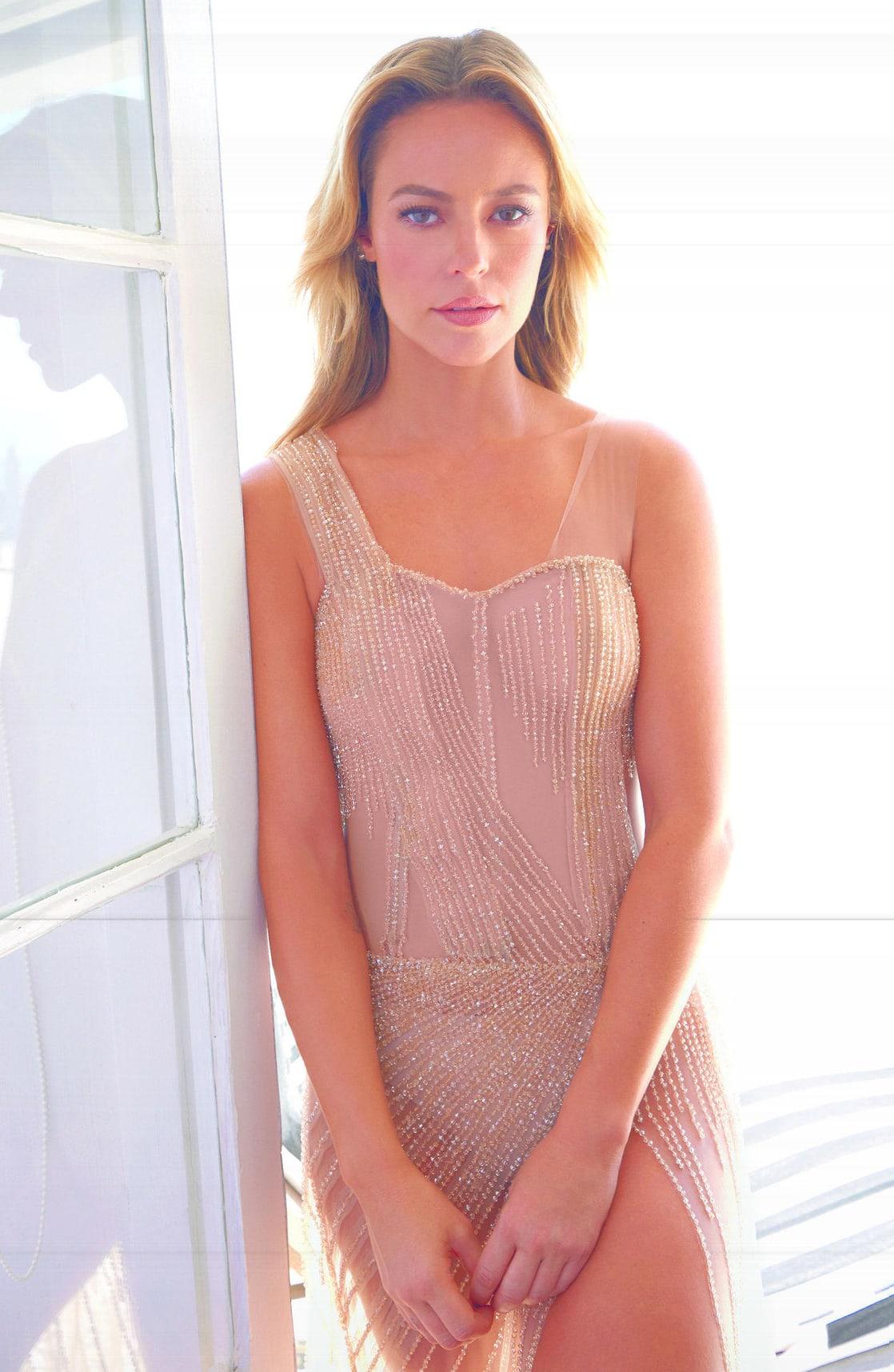 Bella Larsen photos