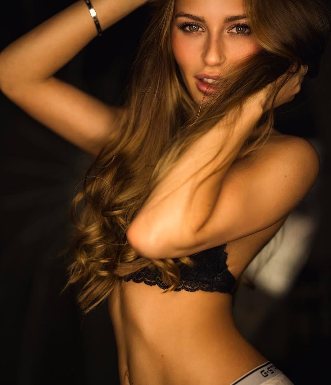 legs Erotica Kristina Levina naked photo 2017