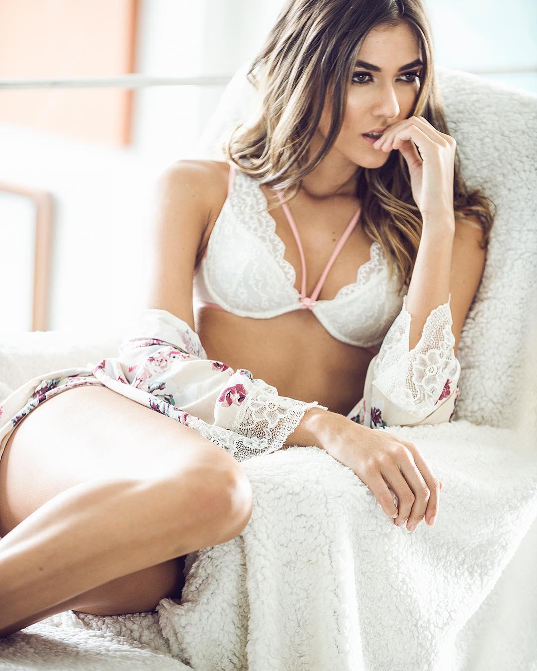 Marly Velasquez photos