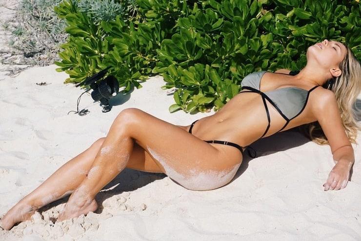 Αποτέλεσμα εικόνας για kinsey wolanski sexy